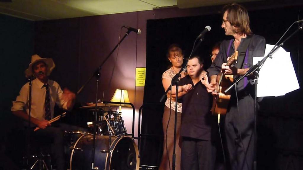 Glen Sheppard with musicians